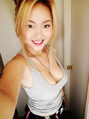 hot asian babe selfie pic wants to have sex tonight on amateur match